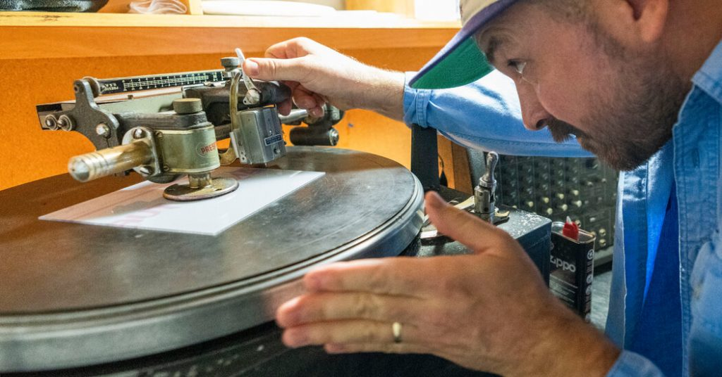 Vinyl Is Selling So Well That It's Getting Hard to Sell Vinyl
